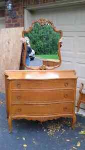 Nine piece antique solid wood bedroom set Cambridge Kitchener Area image 2