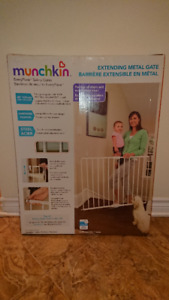 Baby Safety Gate (NEW in box)