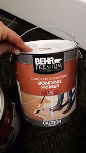 Concrete primer and 3/4 gallon of concrete paint