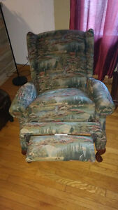 la-z-boy wing chair/ armchair/recliner/chaise bergere Cornwall Ontario image 3