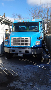 2003 Freightliner FL-70 Heavy S/A Dump