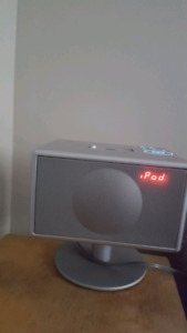 Geneva ipod dock, fm radio, alarm, time