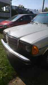 Mercedes 1977 300D London Ontario image 4