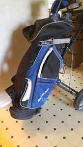 Dunlop golf clubs + caddy