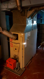 Forced air furnace and burner