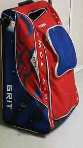 Grit tower hockey bag with wheels