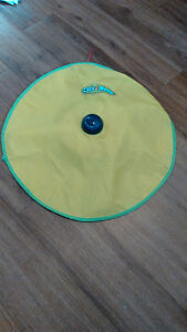 """""""Cats meow"""" spinning cat toy"""