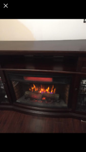 "Electric Fire Place - Excellent Condition! Brand: ""Chimney Free"""