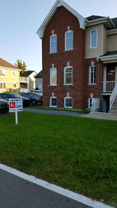 Appartement style condo4 1/2  l'assomption