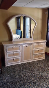 Mobilier chambre coucher