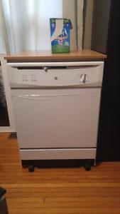 Portable dishwasher