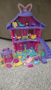Mini Mouse House With Accessories
