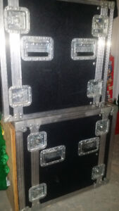 Road case 12U for Rack mounted Effects, Amps, etc...