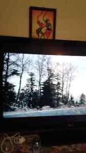 Samsung 32 inch TV only 3 months old was given another TV excel London Ontario image 4