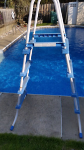 Above Ground Pool Ladder / Echelle Escalier Piscine Hors Terre
