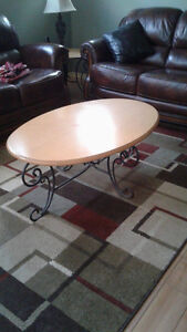 Table basse + table pour lampe