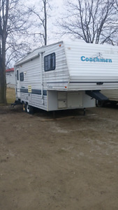 1996 25 foot Couchman 5th wheel