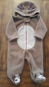 Carter's Hooded Reindeer jumpsuit (Size 6mo)