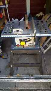 "Robin 10"" table saw with 4 blades Gatineau Ottawa / Gatineau Area image 1"