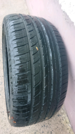 Part worn 19 inch tyre