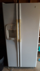 Maytag Refrigerator/Freezer w/ ice dispenser