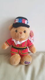 BRAND NEW WITH TAGS BEEFEATER HUG ME TEDDY BEAR SOFT TOY