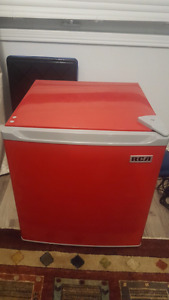 Amazing condition Mini fridge with mini freezer
