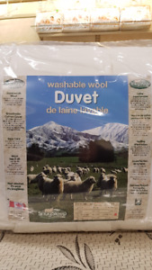 Washable Wool Duvet  --  QUEEN SIZE