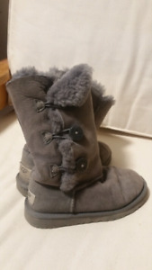 Uggs Girl grey tall boots size 1