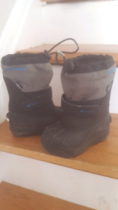 Columbia size 8 toddler winter boots