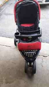 safety first jogging stroller  London Ontario image 2