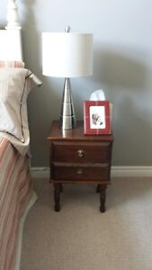 VINTAGE NIGHT STAND WITH 2 DRAWERS