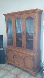 Roxton Dining Set