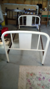 Antique Iron Bed Frame - Single