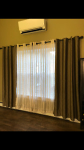 Two sets of curtain panels (4) with rod