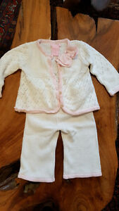 clothing for baby girl 3-6 and 6 m (each set is $5)