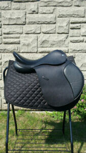 English Saddle & Western Saddle Tack
