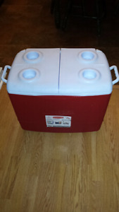 Brand New 50 QT Rubber maid cooler
