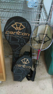 2 raquettes pour badminton de marque Carlton, parfaite condition