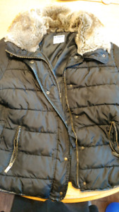 Old Navy size extra large women's winter jacket, bomber lenght
