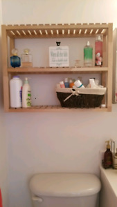 Cute Wall shelf - Ikea - excellent condition - light brown