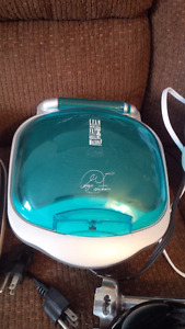 Small George Foreman with Top Bun Warmer/Toaster