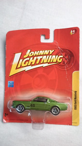 JOHNNY LIGHTNING 1965 FORD MUSTANG GREEN DIE CAST