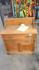 Antique  Wash Stand. Commode Antique. !!!