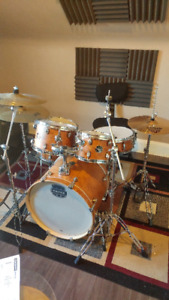 mapex storm 5 pc drum set with extra stand and symbals