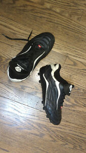 Soccer Pro Youth Soccer Shoes - Size 4 London Ontario image 1