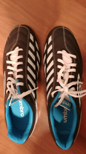 Umbro soccer shoes size 10.5