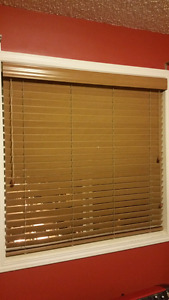 Blinds (5 sets wooden and fabric styles)