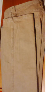 Wrangler W32 L32 Men's beige denim jeans. $20