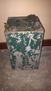 VINTAGE MILITARY GAS / OIL CAN